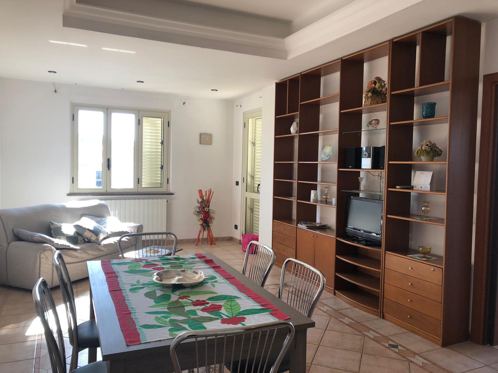 AFFITTO ESTIVO – Appartamento al Piano Terzo