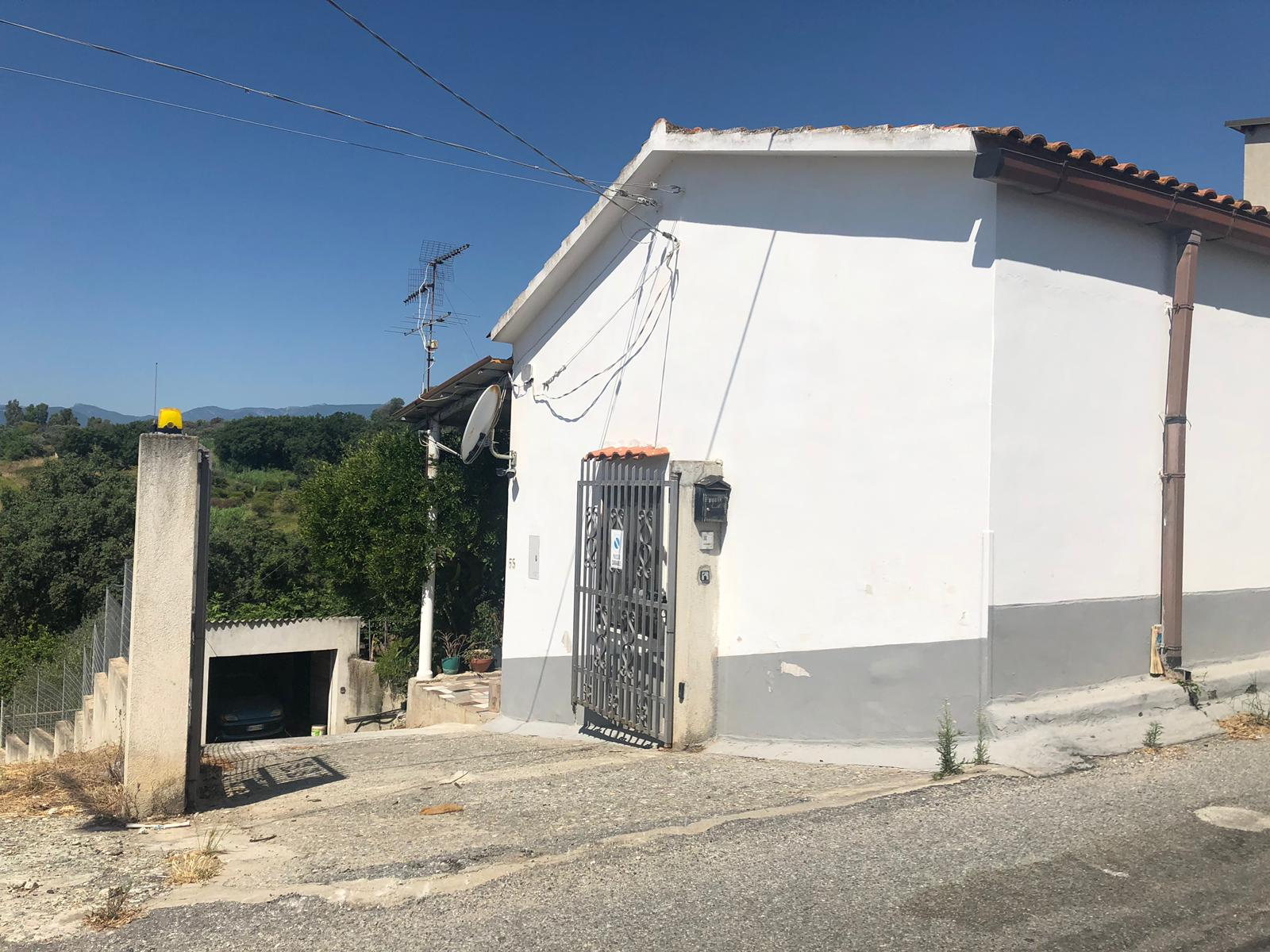 Casa Indipendente in Via Cipparello